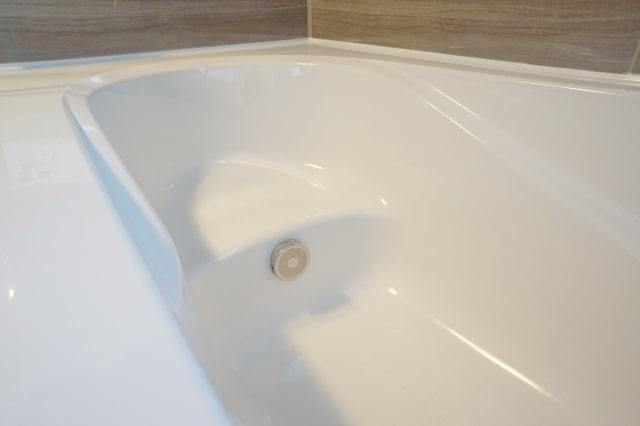 浴槽内の循環口